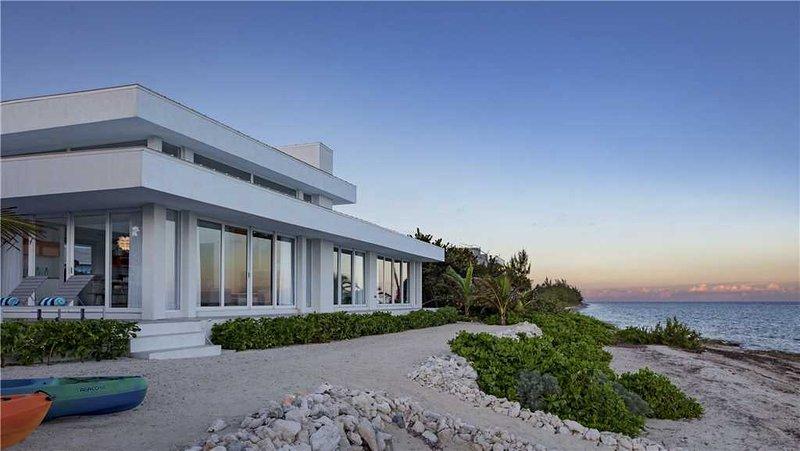 Villa Esprit, vacation rental in Gun Bay