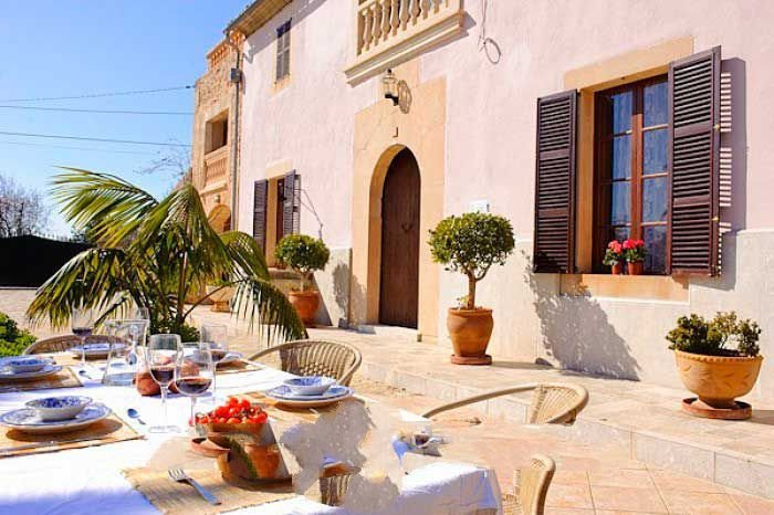 Calonge Farmhouse Sleeps 8 with Air Con and WiFi - 5000707, holiday rental in Calonge