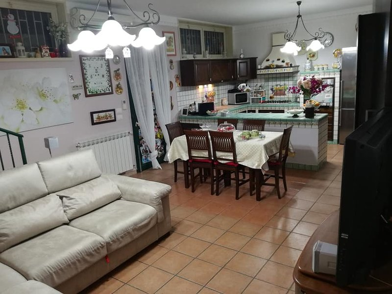 Etna Land House vacanze, vacation rental in San Pietro Clarenza