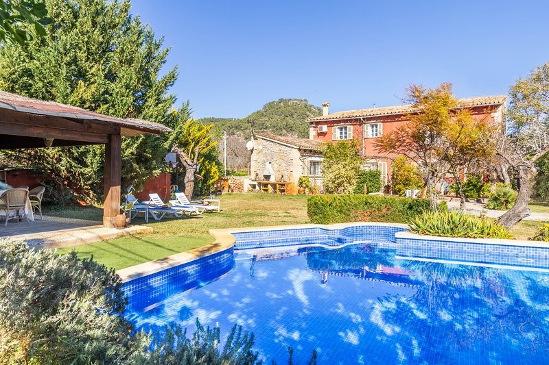 Port Andratx Family Holiday House with Pool, holiday rental in Peguera
