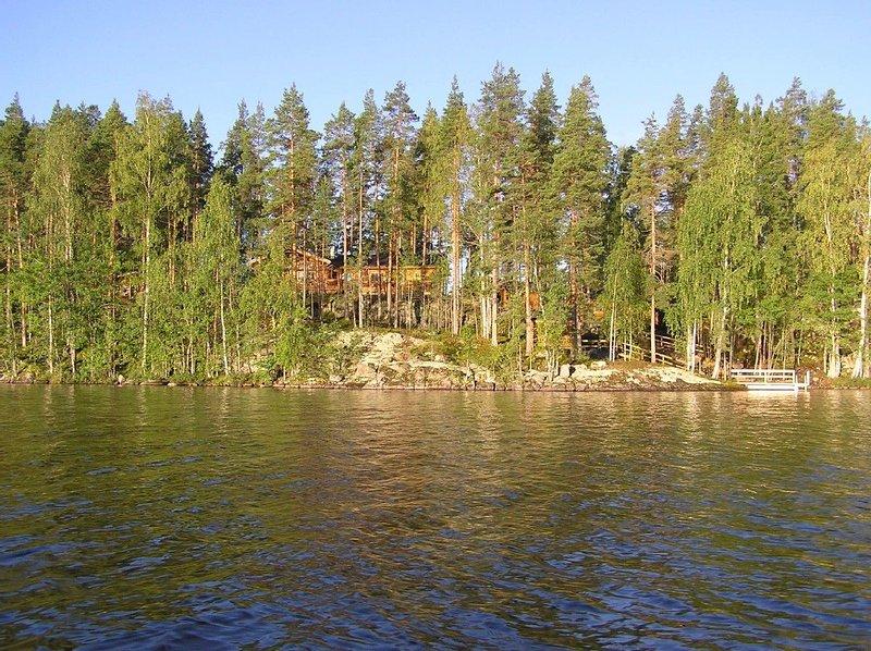 Large timber villa with splendid scenery and nature, casa vacanza a Hartola