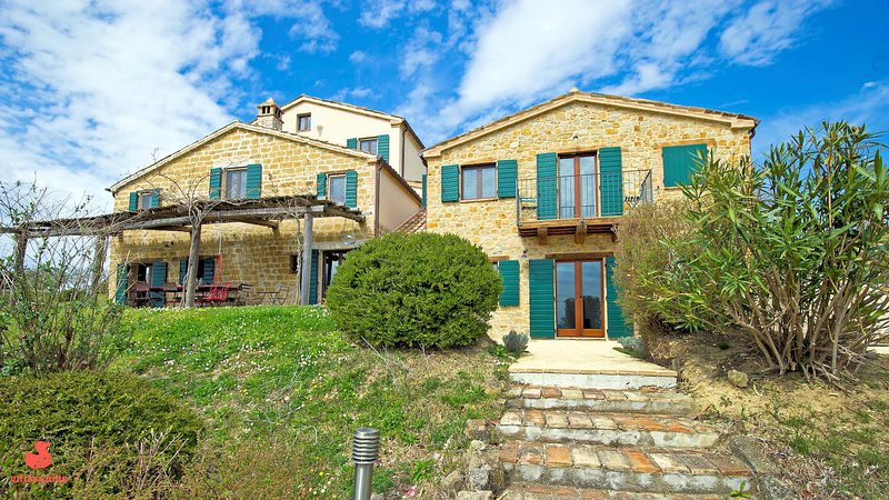 Villas4kids, Villa Lola baby & toddler friendly, holiday rental in Montefortino