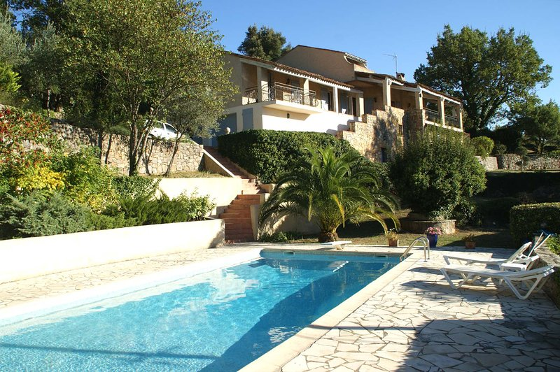Amazing villa with swimming-pool, holiday rental in Claviers