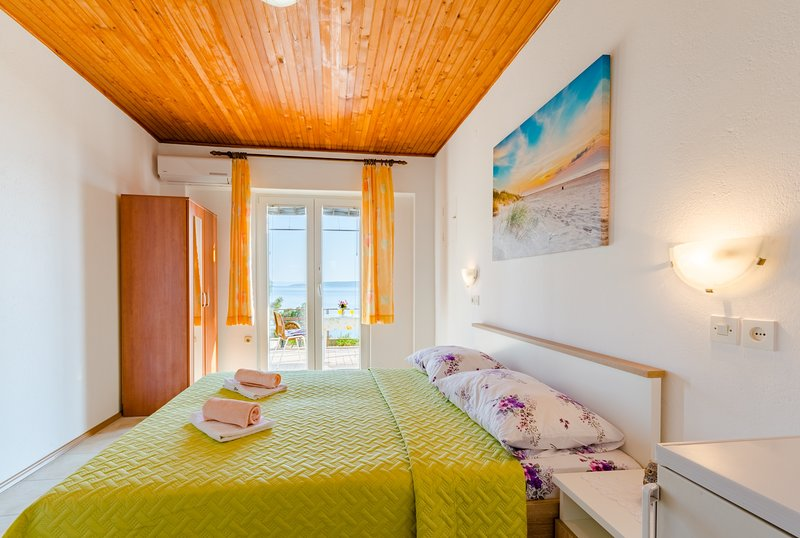 Rooms Sani - Double Room with Terrace and Sea View (S3), vacation rental in Brela