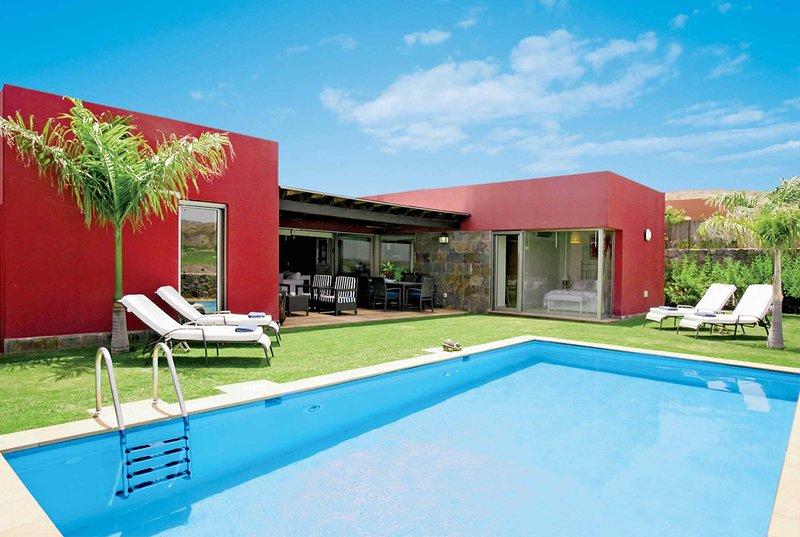 3 bed modern single storey villa, vacation rental in El Salobre