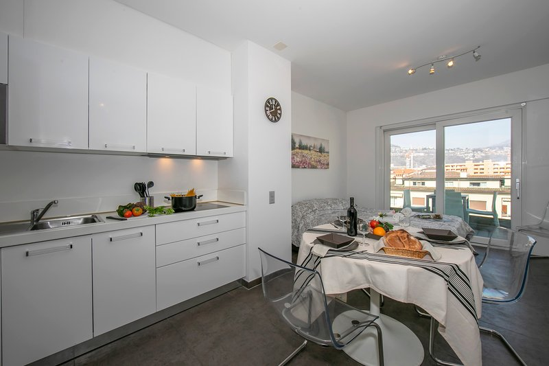 Sunrise House, holiday rental in Comano