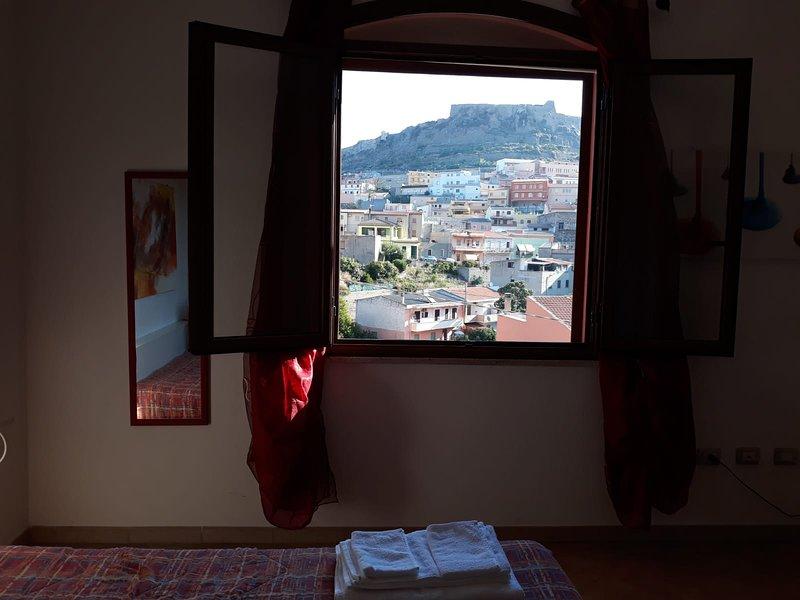 Nice house with sea view, location de vacances à Multeddu