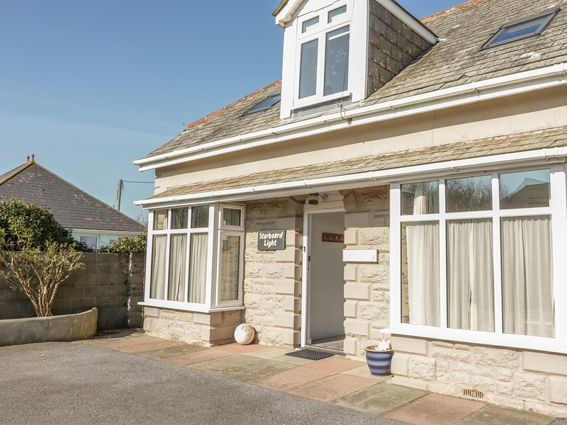 STARBOARD LIGHT, country views, gas fire, terrace, cycle path nearby, vacation rental in Bolberry