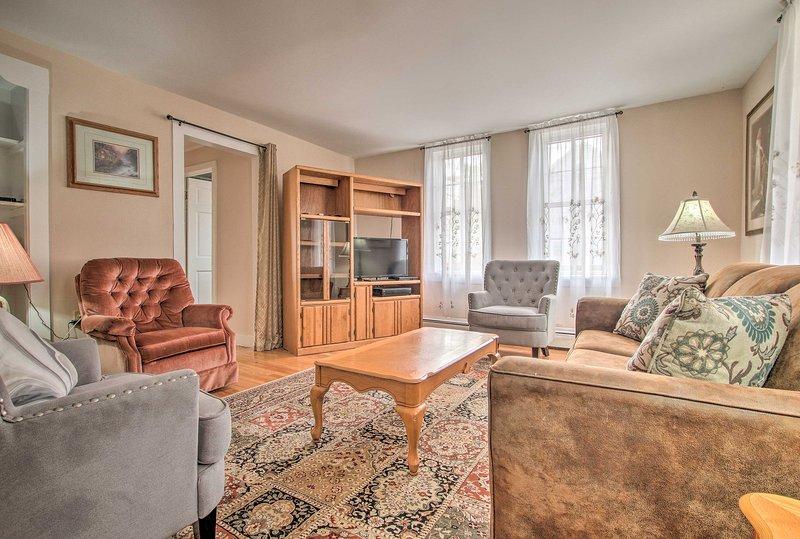 Ci sono 2 camere da letto, 1 bagno e spazio per 6 ospiti.