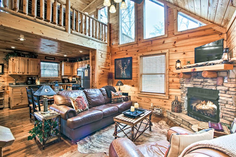 Make the most of your Smoky Mountain getaway at this 2-BR, 2-BA vacation rental.
