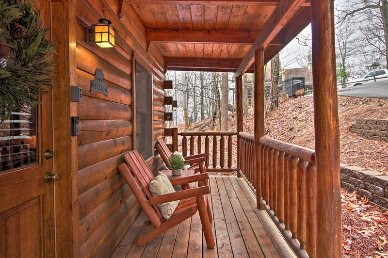 Your relaxing retreat awaits in Sevierville. Book today!