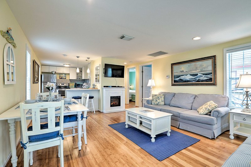 Book this bright and airy vacation rental cottage for your Galveston retreat.