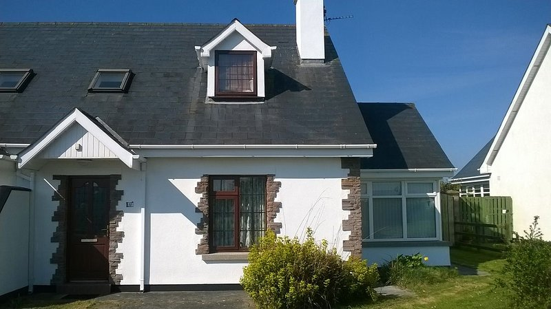 Ban Milis, Fethard on Sea, Co. Wexford - 3 bedrooms sleeps 6 - Feathard on Sea R, vacation rental in Bannow