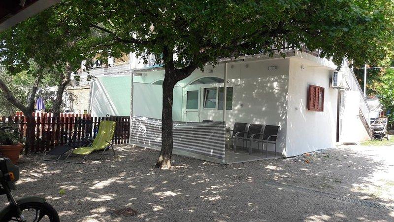 Ferienwohnung 4693-2 für 4 Pers. in Malinska, vacation rental in Malinska