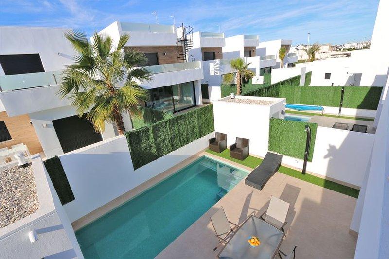 VDE-039 / 3 bed Villa with private pool, alquiler de vacaciones en San Pedro del Pinatar