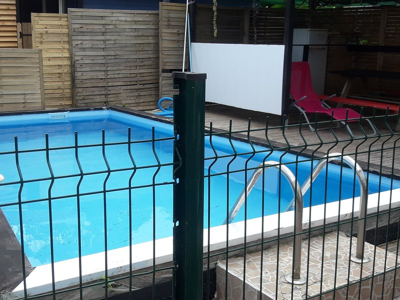 Swimming pool unsupervised