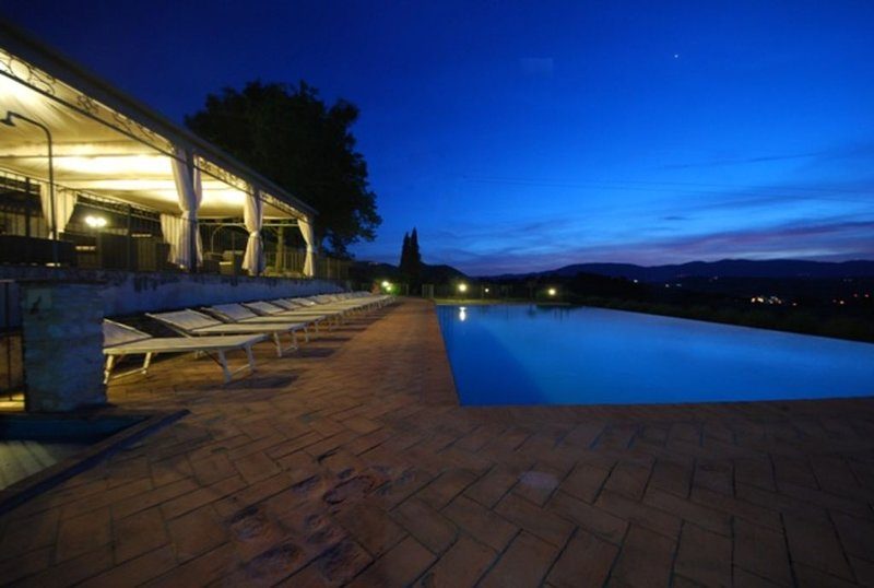 Spoleto by The pool Apt.1 , quiet place, panoramic infinity pool, vacation rental in San Gregorio