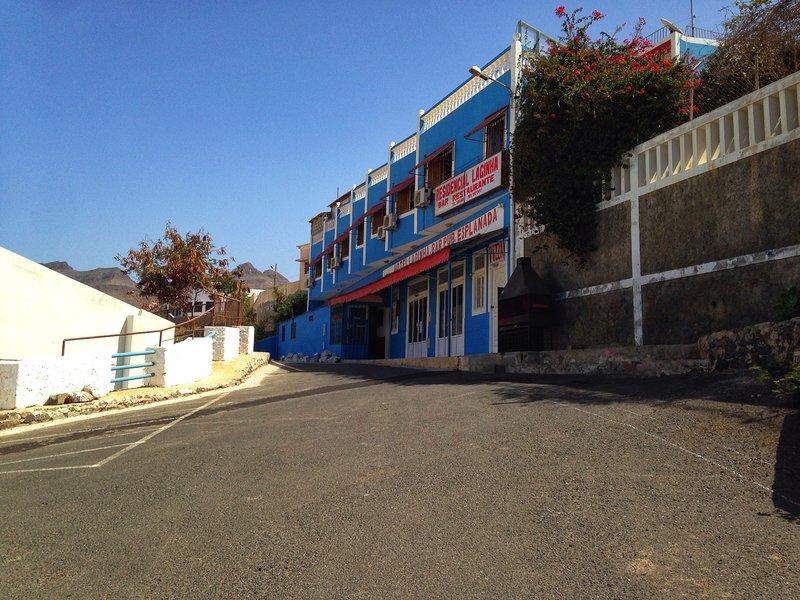 Residencial  Laginha. Quartos com vista a praia e ao mar - Bedroom 1, vacation rental in Porto Novo
