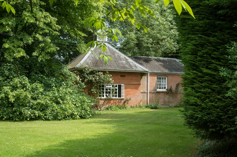 Beautiful and Cosy Country Cottage near Newmarket, Ferienwohnung in Upware