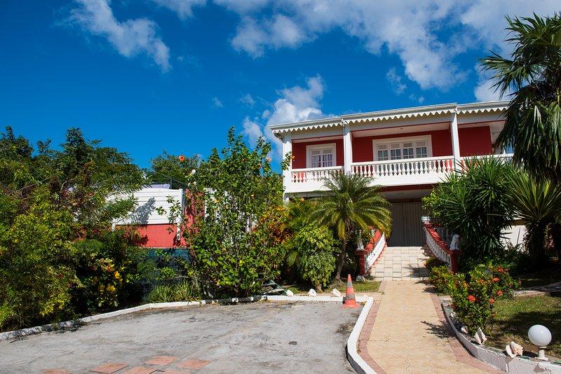 The sumptuous villa Graceland