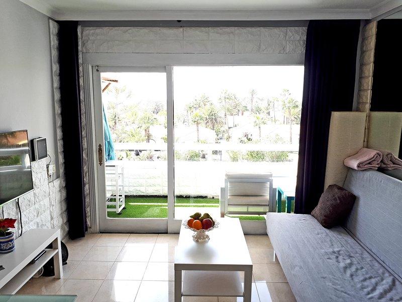 Apartment 2-2 Playa del Ingles, vacation rental in Maspalomas