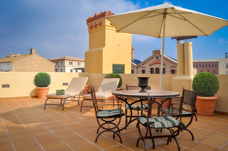 CAN FELIP - Apartment 2 (Beautiful XVIIIC House), vacation rental in Palafrugell