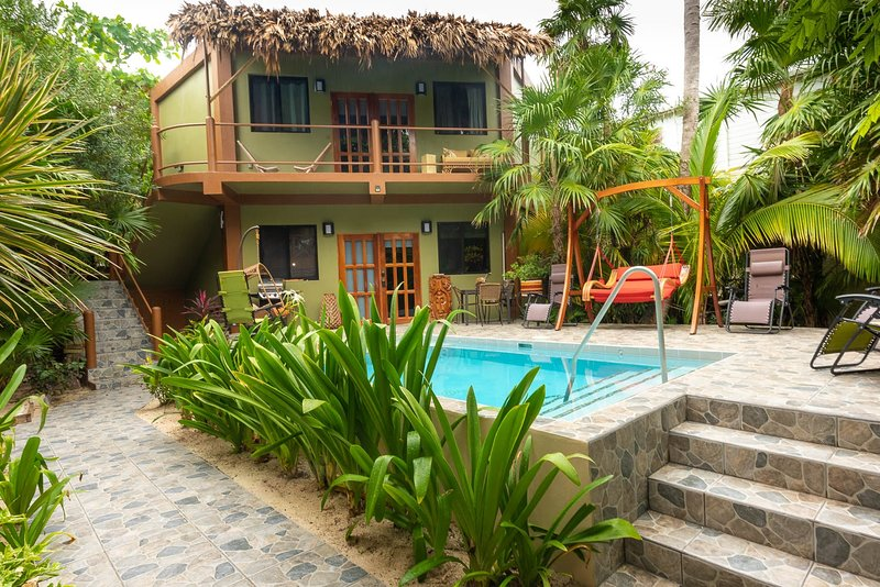 Sandcastle Guest/Pool House - Pool, holiday rental in Caye Caulker