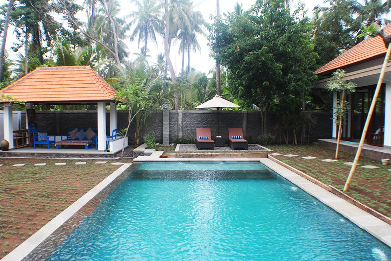 family villa with touch of local culture, holiday rental in Kubutambahan
