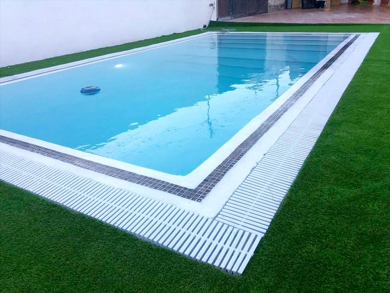 Nice house with swimming-pool, location de vacances à Fasnia