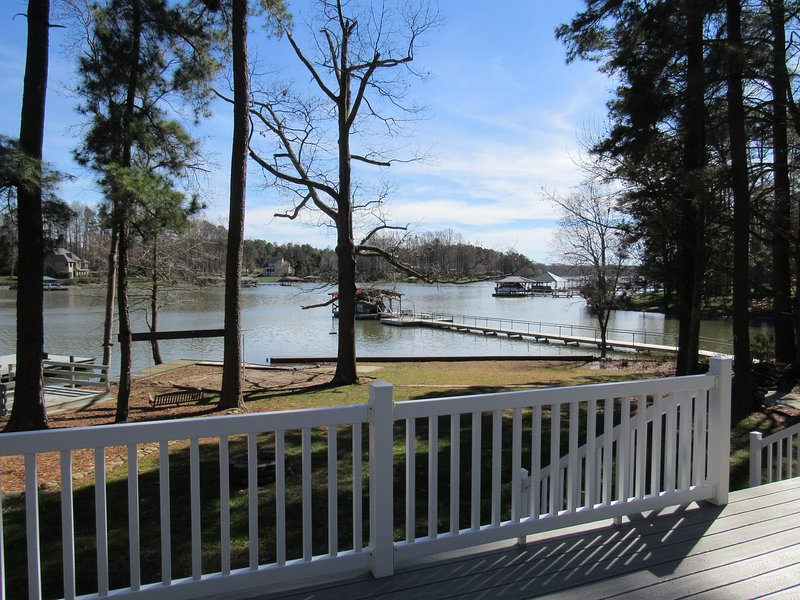 Lake views from sun deck and shaded screened porch