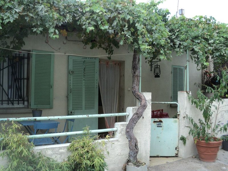 Beautiful house with terrace, location de vacances à Septemes-les-Vallons
