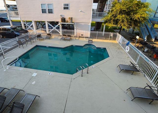 Spinnaker Pointe Pool