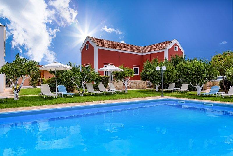 Athousakis Village bangalow, holiday rental in Perivolia