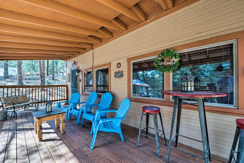 Experience the best of the Ruidoso area from this vacation rental cabin.