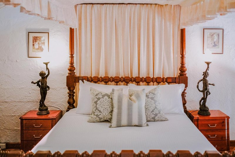 Hunter Valley Accommodation - Casuarina Estate - Themed Suite Casanovas Loft - all