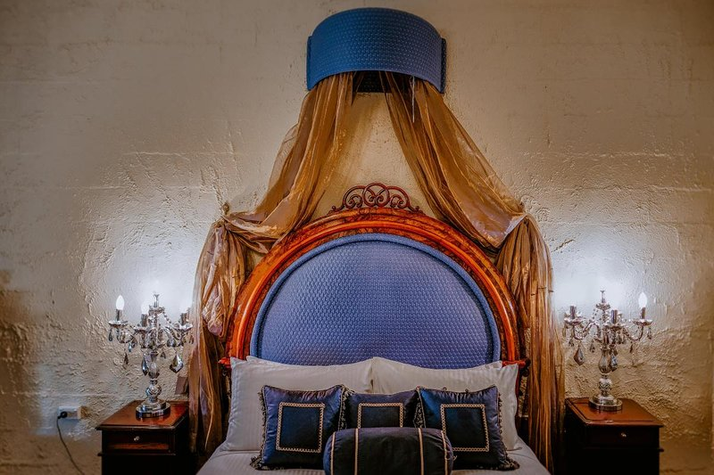 Hunter Valley Accommodation - Casuarina Estate - Themed Spa Suite Italian Bordello - all