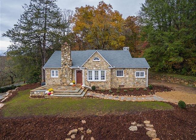 The Rock House at Maple Hill, alquiler de vacaciones en Marion