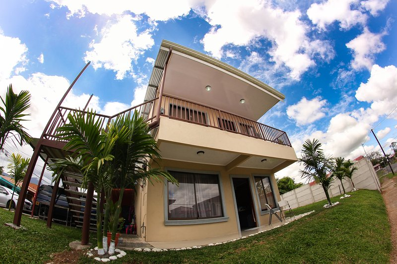 Anyelly´s House, holiday rental in La Fortuna de San Carlos