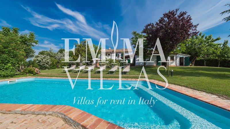 Casal Baroni 10+2 sleeps, Emma Villas Exclusive, holiday rental in Agugliano