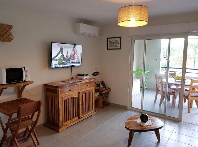 Nice studio near the beach & Wifi, holiday rental in La Pagerie