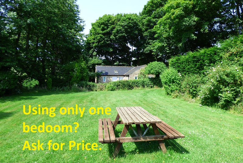 Secluded Cottage, set in acres of gardens and open countryside, overlooking the Derwent Valley.