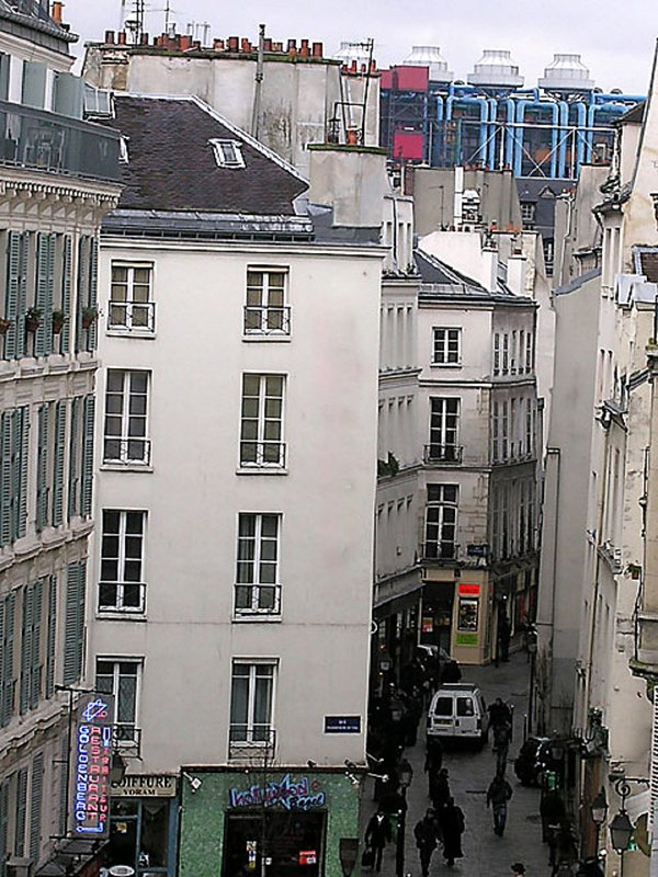 Le Marais is a trendy district in paris celebrated for its nightlife. It is the oldest part of Paris