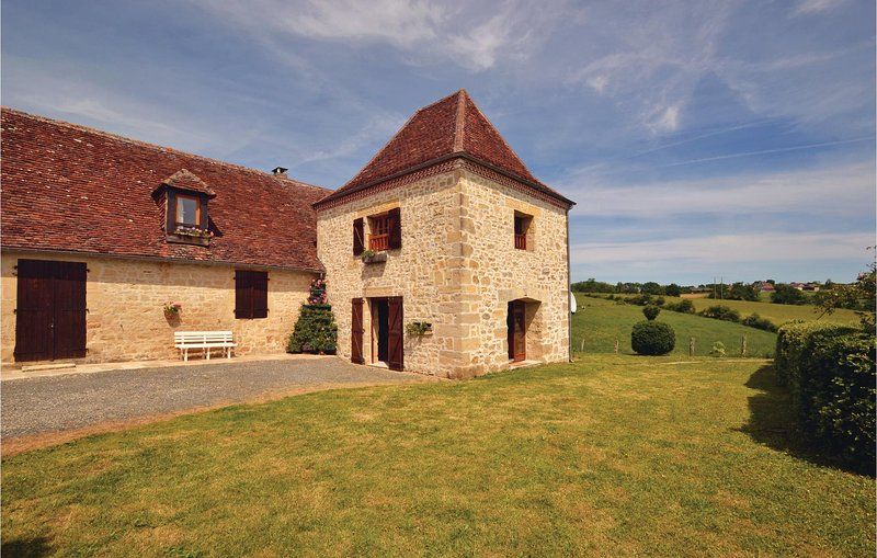 Awesome home in La-Chapelle-Saint-Jean with 3 Bedrooms (FAD151), holiday rental in Granges d'Ans