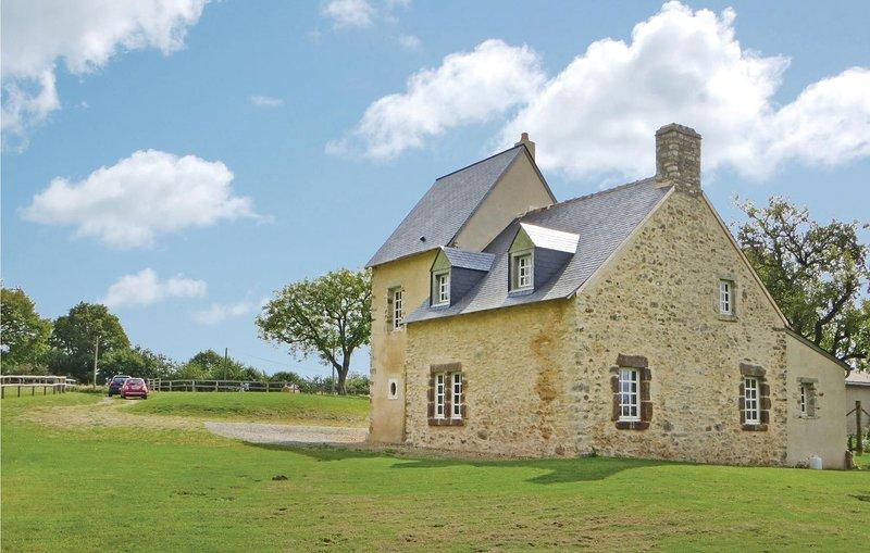 Beautiful home in Rouessé Vassé with 2 Bedrooms (FVS017), holiday rental in Saint Aubin du Desert