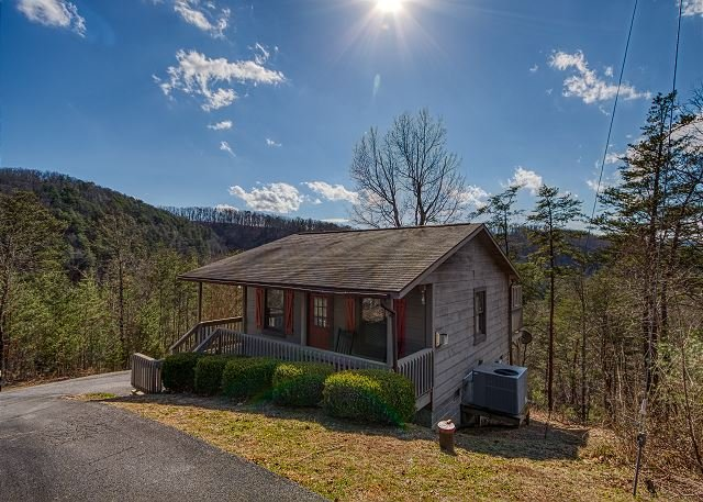 romantic cabin with an amazing view 1 mile from pigeon forge rh tripadvisor com