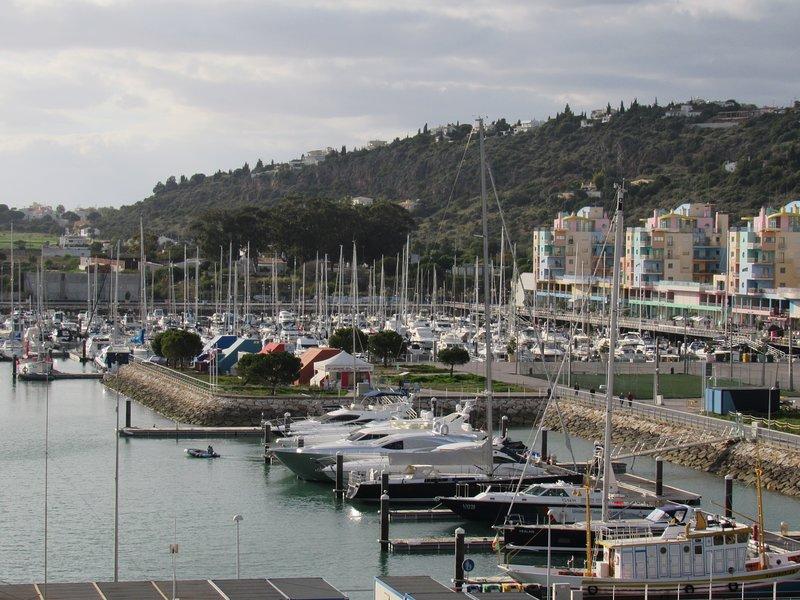Jachthaven van Albufeira op 2,5 km