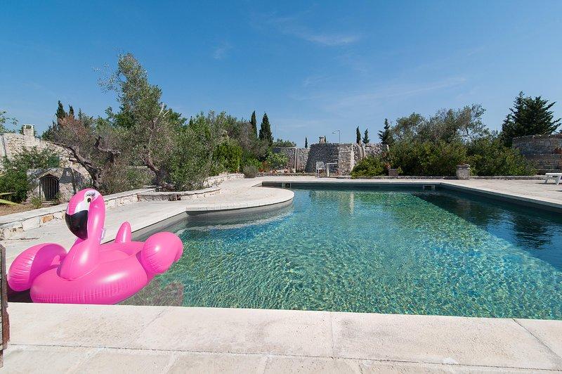Casa Ilario Con Piscina, vacation rental in Torre Suda