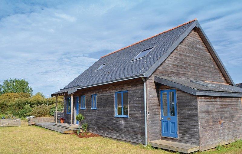 Nice home in Loctudy with 2 Bedrooms (FBF389), location de vacances à Lesconil