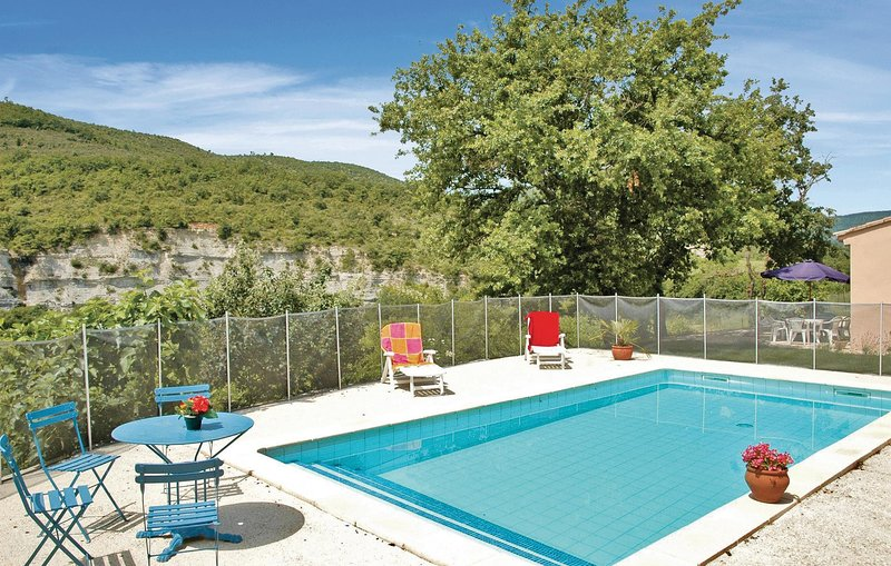 Amazing home in Saint Thome with 3 Bedrooms (FRA067), holiday rental in Saint-Thome