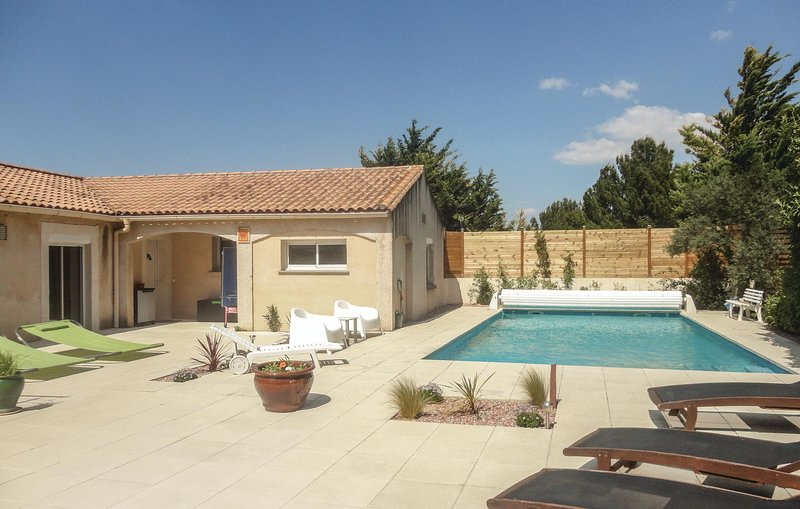 Nice home in Nebian with WiFi, Outdoor swimming pool and 2 Bedrooms (FLH171), vacation rental in Saint-Andre-de-Sangonis